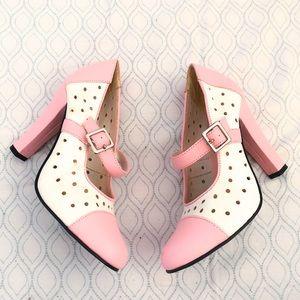 Michael Antonio retro perforated Mary Jane heels